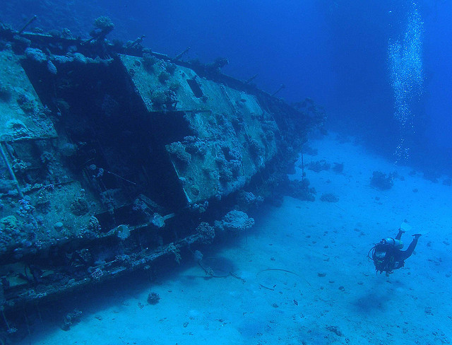 15 Haunting Images of Shipwrecks