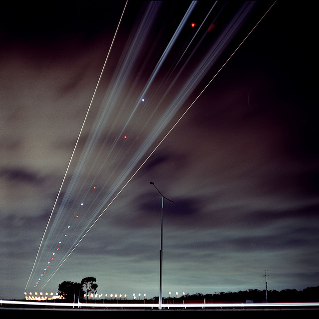 8 Stunning Photos of Airplane Trails